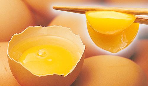やわたの熟成にんにく卵黄の卵