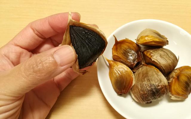 岡崎屋の純黒にんにくの粒